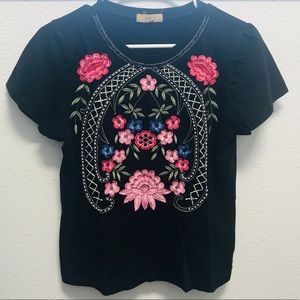 Tops - Floral embroidered black T-shirt